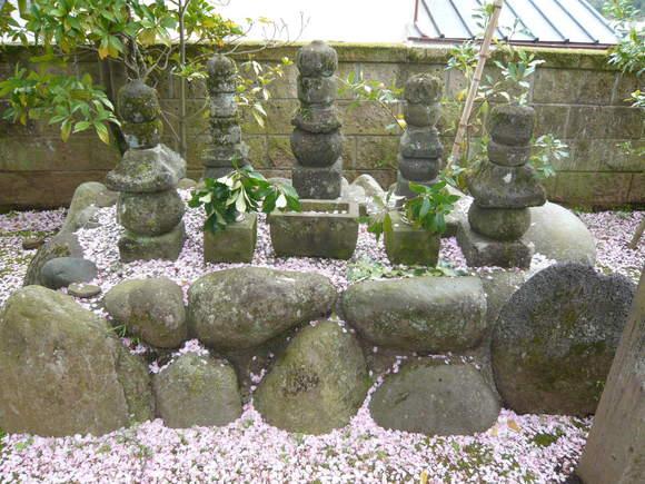 性殊院殿の墓