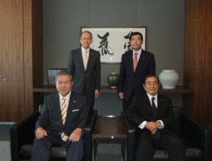 平成24年8月17日(金) 富士フイルムホールディングス株式会社訪問