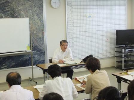 平成24年7月3日(火) 学校経営研究会にて市立幼・小・中学校の校長・園長・教頭らに講話