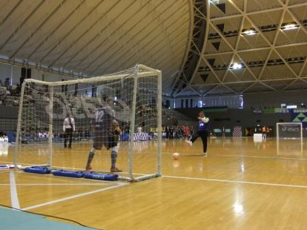 平成24年10月6日(土) Fリーグ(フットサル)湘南ベルマーレホームゲーム始球式