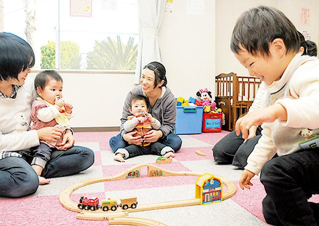 子育て支援施設 / 赤ちゃんひろば
