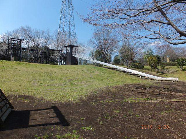 運動公園遊具(ローラー付き滑り台、改修後)